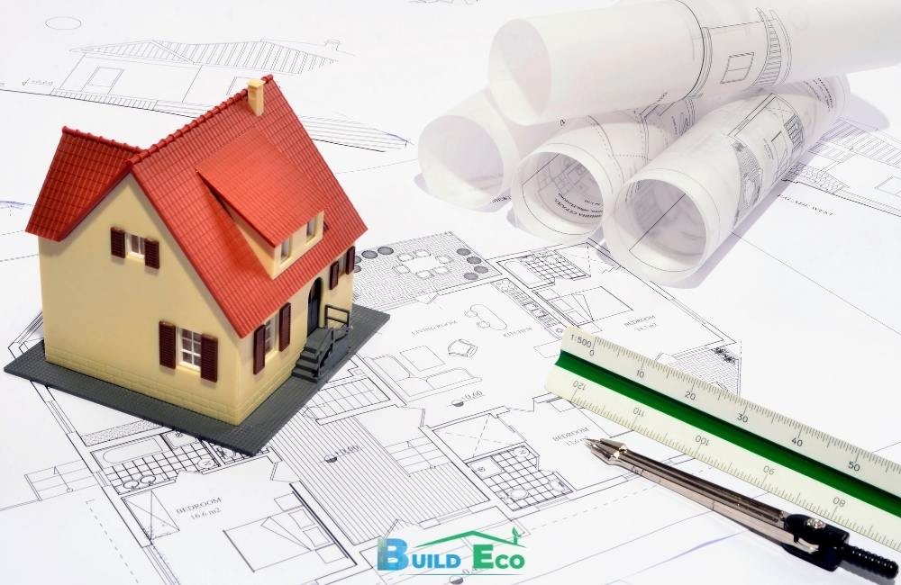 What are two types of general contractors?